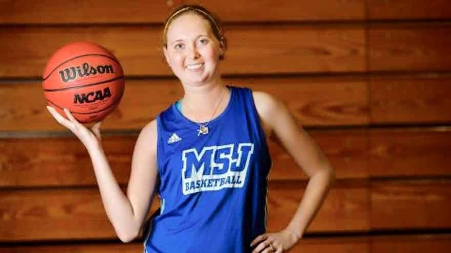 RIP Lauren Hill.  An incredible person lost to a terrible disease, u inspired the nation, now the pain is gone #RIP22 http://t.co/cDfYJh36Pu