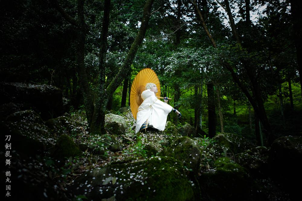 刀剣乱舞 鶴丸 国永 「静寂に 名を呼ぶは」 Photo:ノジョ(@nojyo ) http://t.co/CTsOMnnYIC