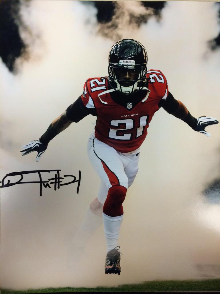 Retweet for a chance to win this @DesmondTrufant autographed photo! #FreeFriday #RiseUp http://t.co/jka6NhYMj3