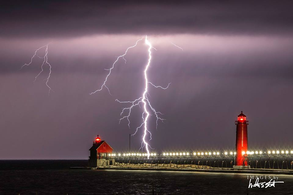 Incredible shot of last night's storm in #GrandHaven captured by Walter Elliott! @PureMichigan @wzzm13 @WOODTV @FOX17 http://t.co/B2KnoQH8hd