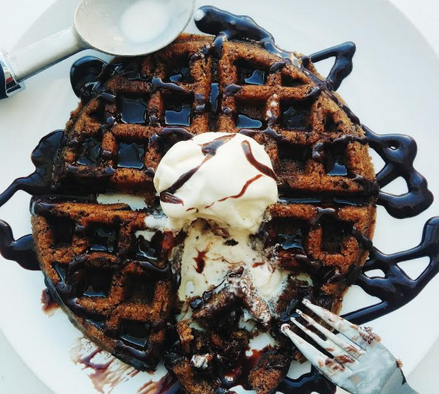 A Step-by-Step Guide to the Ultimate Snack – A Cookie Waffle