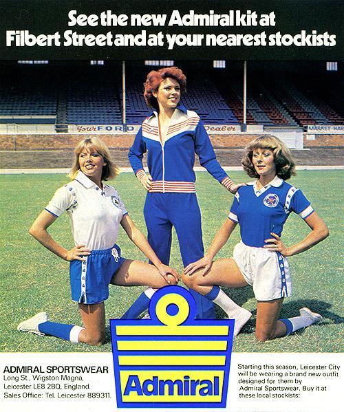 #ViernesTematicoLacasaca #CasacasyPublicidades Las chicas de Admiral promocionando kits del Leicester City: http://t.co/fZCIgSpWfp