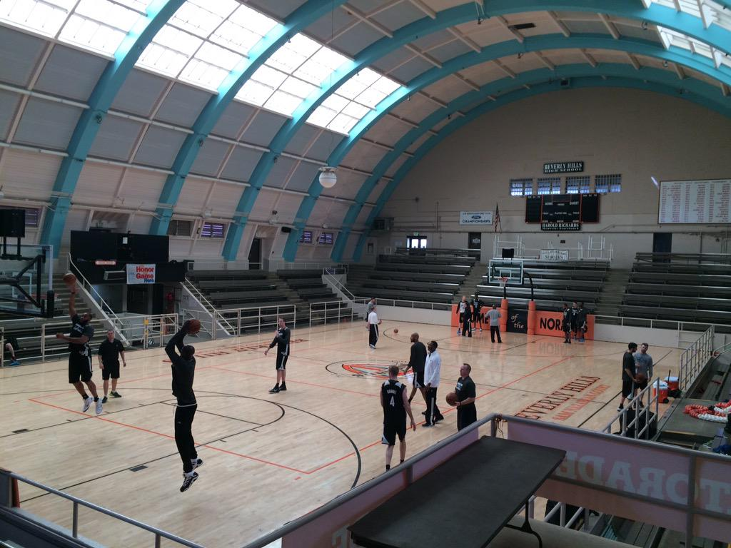 Timberwolves Pr On Twitter Twolves Shot Around This Morning At The Beverly Hills High School Cool Gym Had A Pool Underneath Court