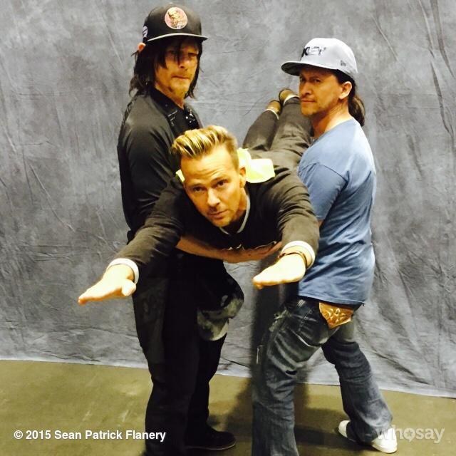 In sonic BOOM flight w/ @wwwbigbaldhead @ccollinsjr  #ShineUntilTomorrow http://t.co/R2qu6G3di3