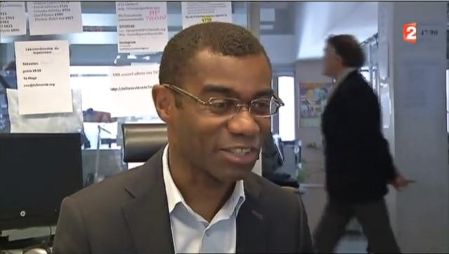 //_-): http://t.co/7ERjHAsNEn. Французский телеканал взломали после интервью сотрудника на фоне стикеров с паролями. http://t.co/1Qozd7kADO