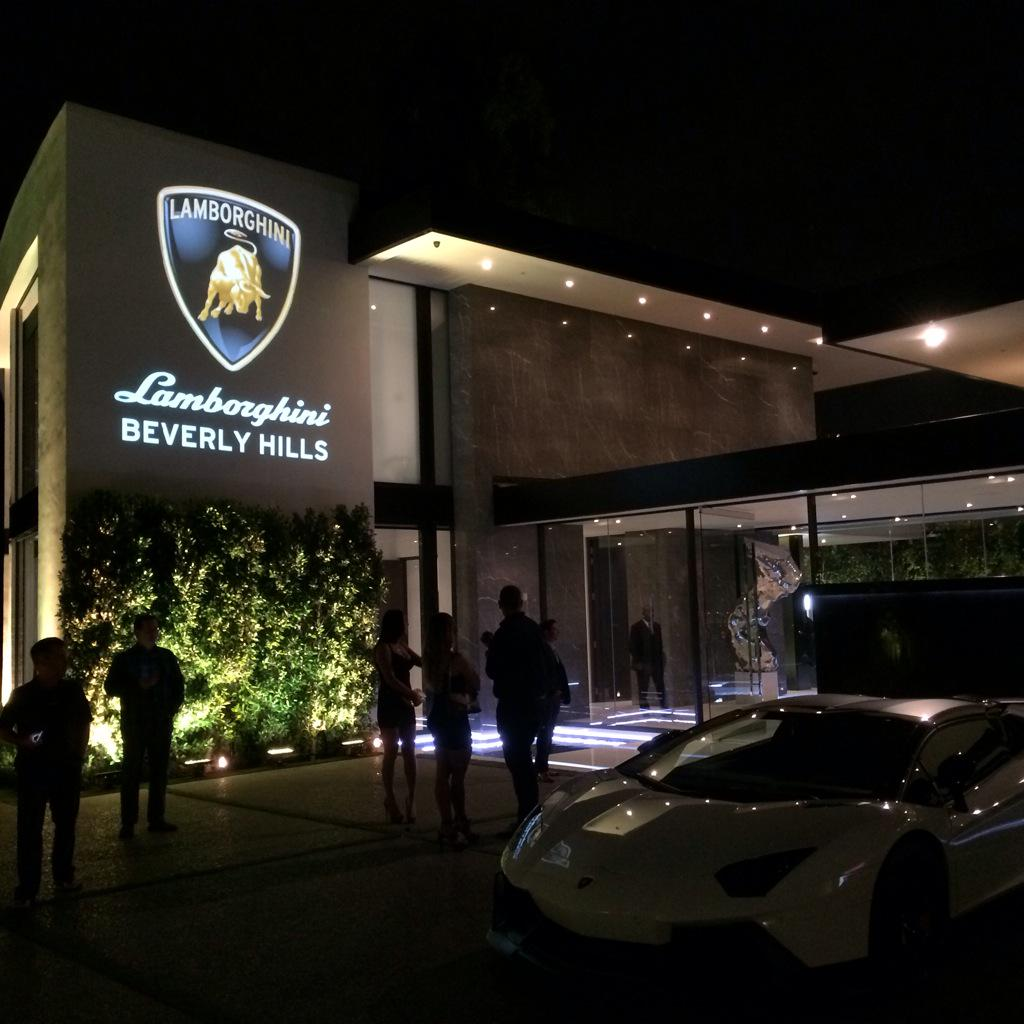 Hilton hyland on twitter incredible lamborghini event for Casa moderna rd
