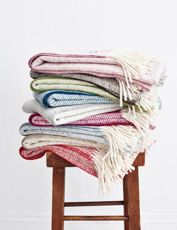 Win a beautiful handwoven blanket from @MourneTextiles children's range http://t.co/SoymvbxYtO #cdbirthdaygiveaway http://t.co/vAHwyNuypS