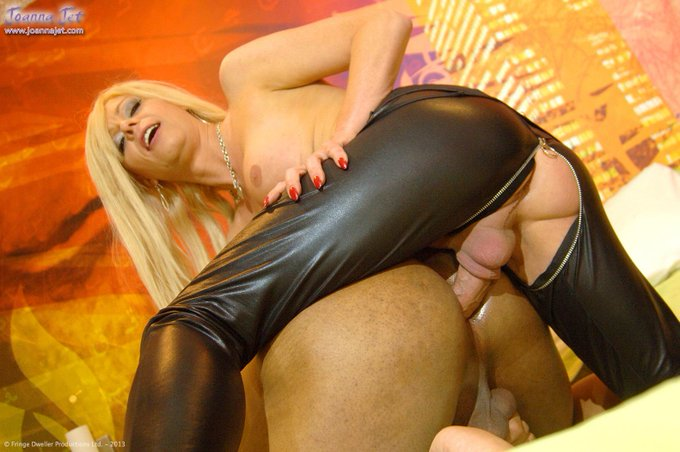 Weekend Hardcore #picoftheday from http://t.co/B0lowVmaVt - Unzipped #NSFW #shemale #anal #interracial