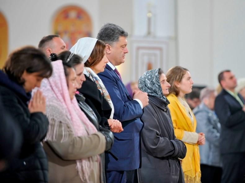 В Украину прибыл Благодатный огонь из Иерусалима - Цензор.НЕТ 2948