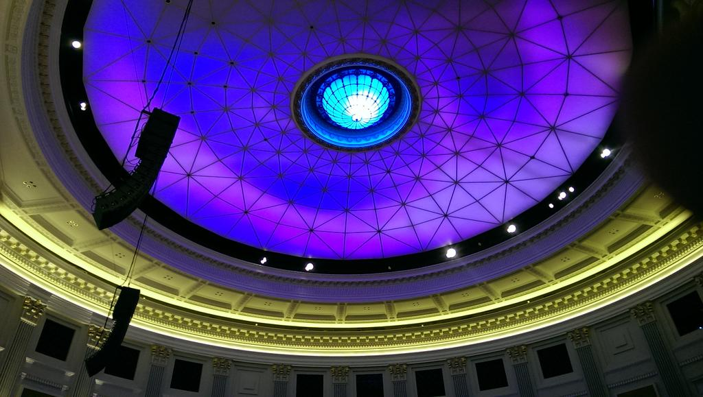 RT @Lee_AnneHarris: New Fellows Presentation Ceremony under the dome at Brisbane City Hall #rcog2015 http://t.co/gfmhSpCcx2
