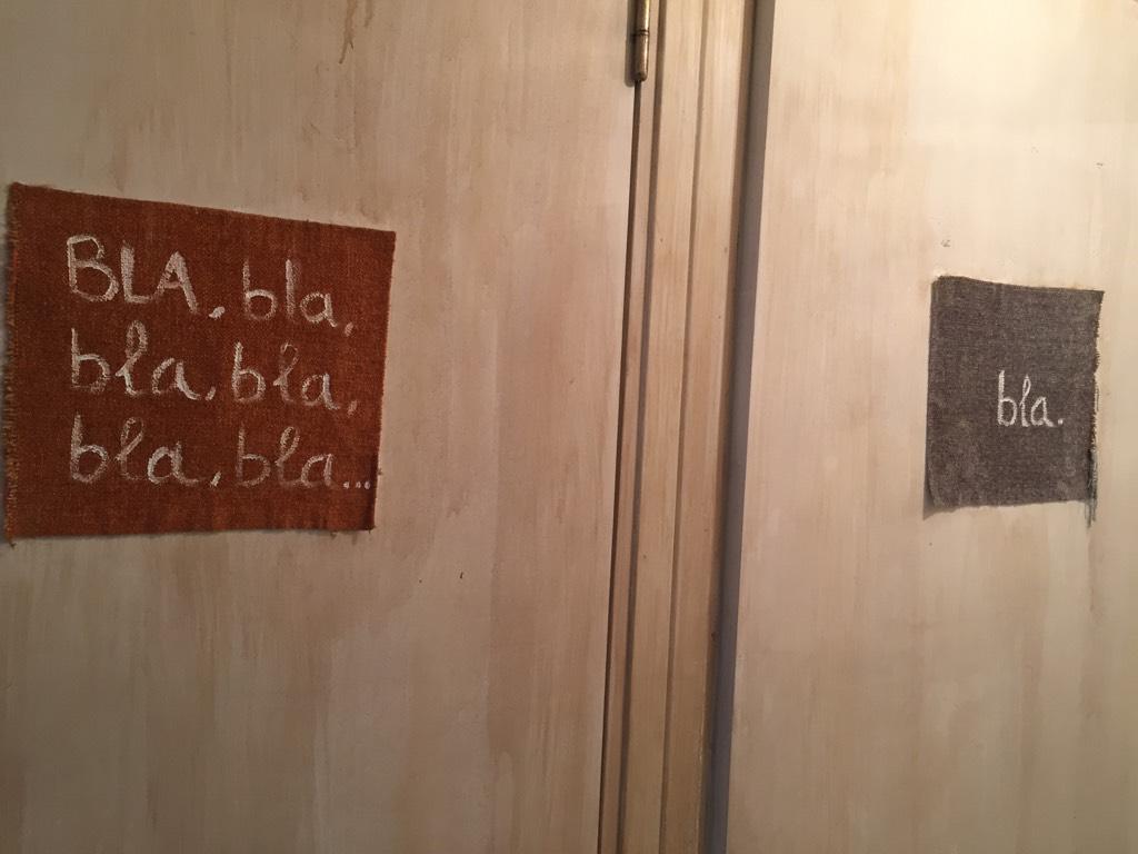 Me ha encantado la distinción en los baños de este bar. Me han confirmado q nadie se equivoca y va donde debe ir #UX http://t.co/6ihqRv9fTw