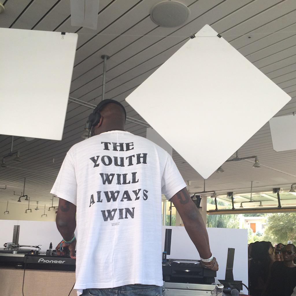 You Can't Blame Da Youts. @virgilabloh http://t.co/jzcnedfAYt