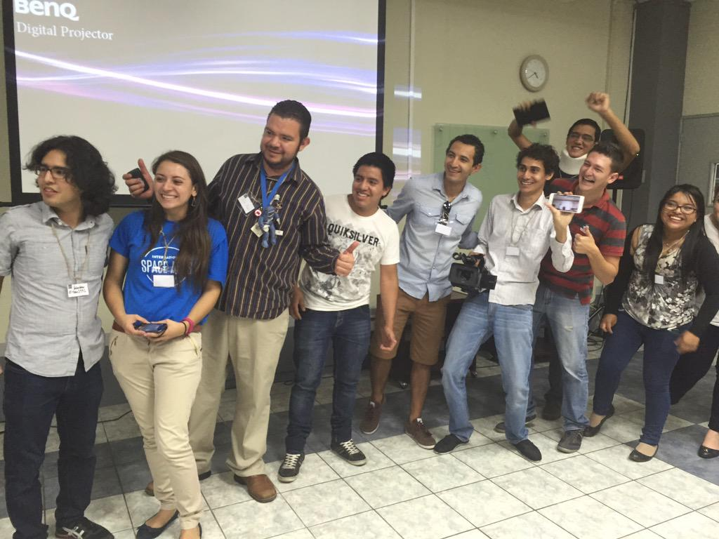 #spaceapps #spaceappsguatemala @mzaghi mentoring team @cmgrajedad @tian2992 http://t.co/LgEec8oHZn