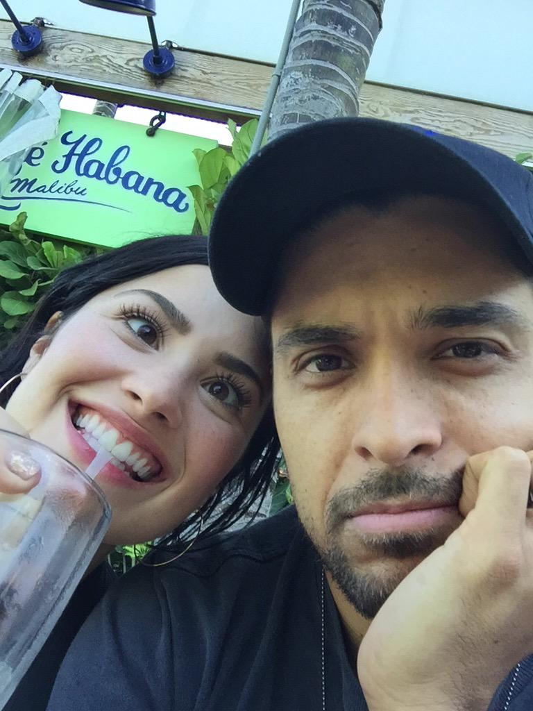 You've been hacked @toojiggy  Love, @WValderrama & @ddlovato http://t.co/8X531PB5vz