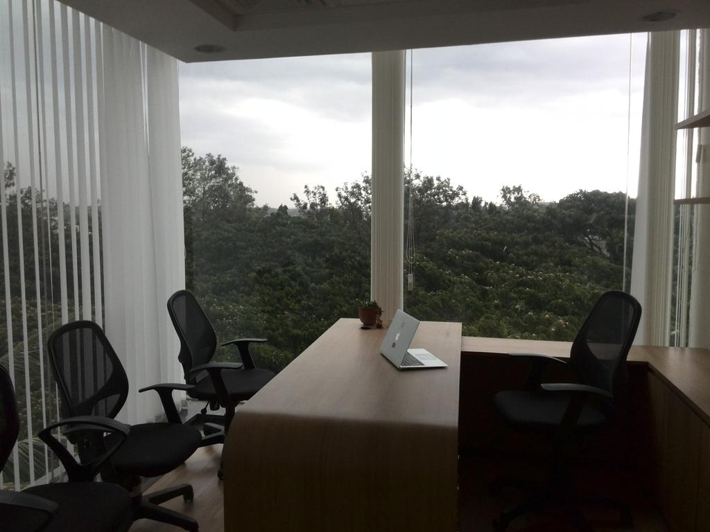 Bangalore climate has made our new @OnePlus_IN office more beautiful ...isn't it ? http://t.co/oIYZWjM0lS
