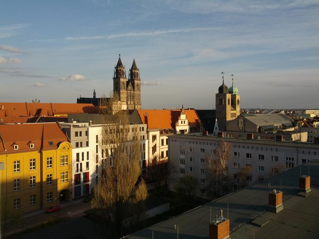 Der #Webmontag Magdeburg in der Sichtbar Leiterstraße startet heute mit Superblick auf den Dom #wmmd http://t.co/ttPNLDYGz2