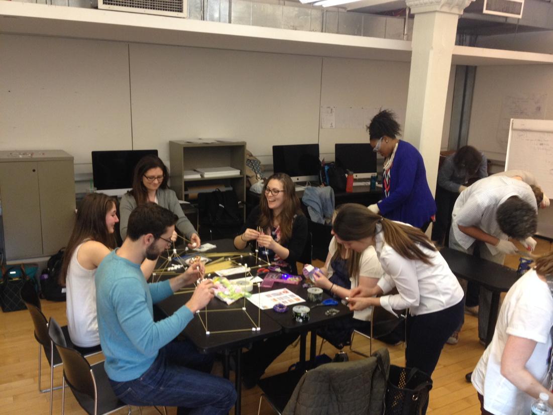 Makerspacin' with the TEA room's @cmm258 @PrattSILS #lis680 @darienlibrary http://t.co/ULTlqWEszh