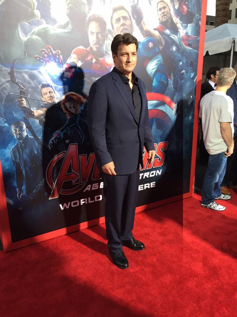 Who doesn't love @NathanFillion! #AvengersPremiere http://t.co/8xVyEbzzjz