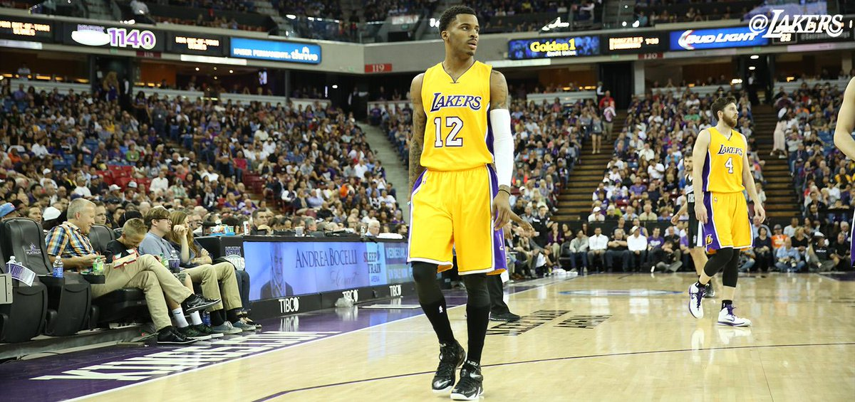 a64a5ee50e0  StayV12 RT  Lakers Vander Blue in the purple and gold.pic.twitter .com E2FFjefYw2