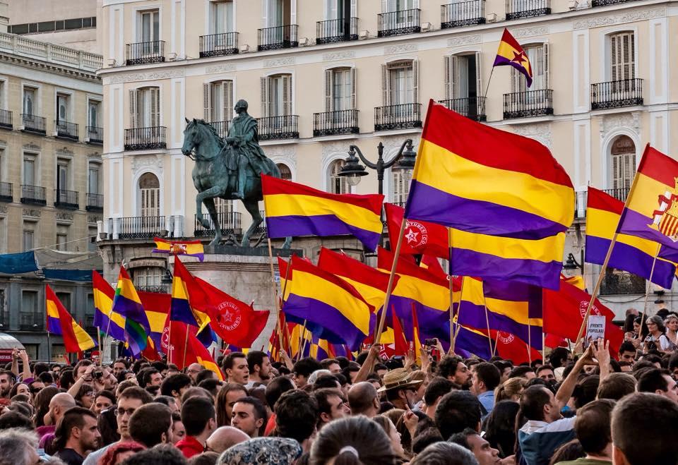 SIN REPÚBLICA, NO HAY DEMOCRACIA. #14deAbril #ReferéndumYa #14AVivaLaIIIRepublica #VivaLaRepublica http://t.co/nc8J3IsY3E