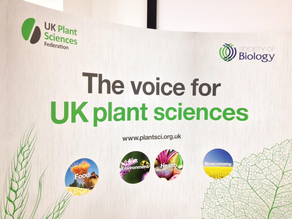 #PlantSci2015 is about to begin! With 30 speakers it's set to be a fab event with a huge range of fascinating talks🌱 http://t.co/fZnD4dGA1S