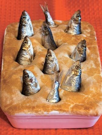 イギリスの「星を見上げるパイ」みたいなのを作りたくて炊き込みご飯を炊いたら完全に地獄絵図になったwwwwwwwwww pic.twitter.com/3cvLmaWdLP