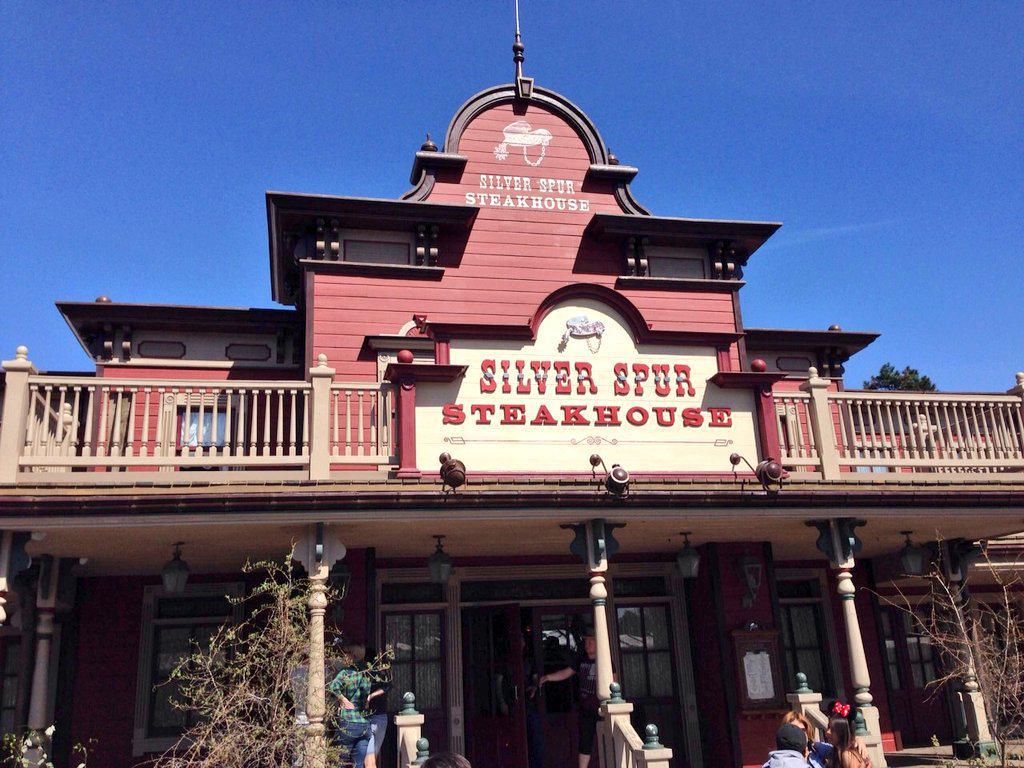 Réhabilitation et nouvelles couleurs pour le Silver Spur Steakhouse (juillet 2014-avril 2015) - Page 2 CCjqnMVWAAATJT1