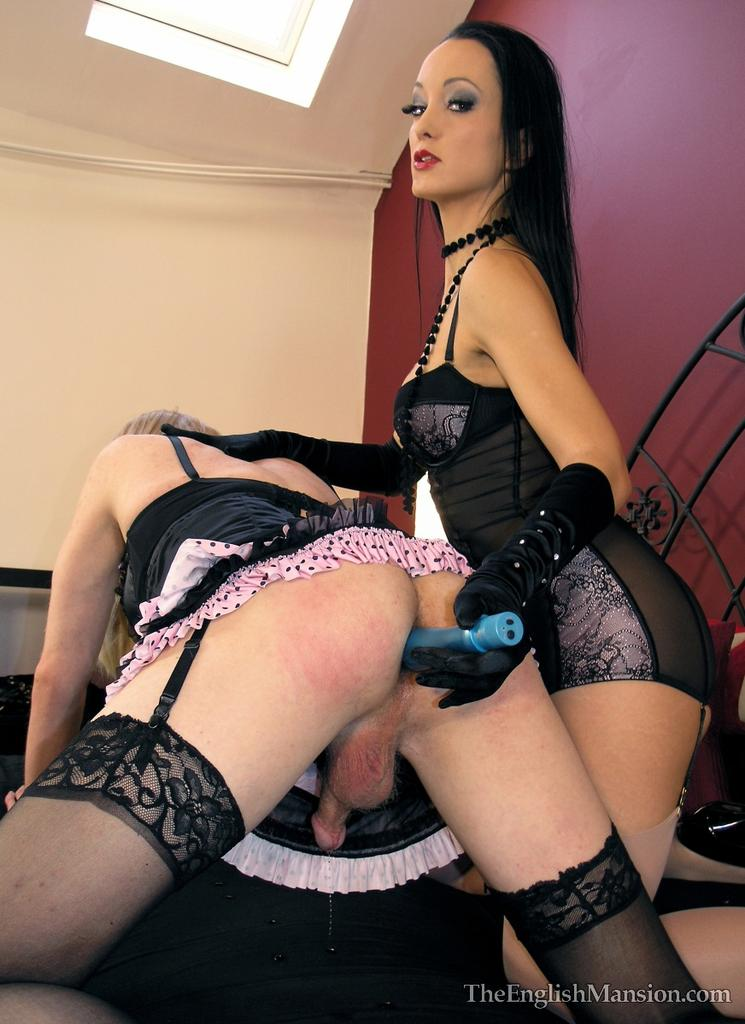 Strap on sissy