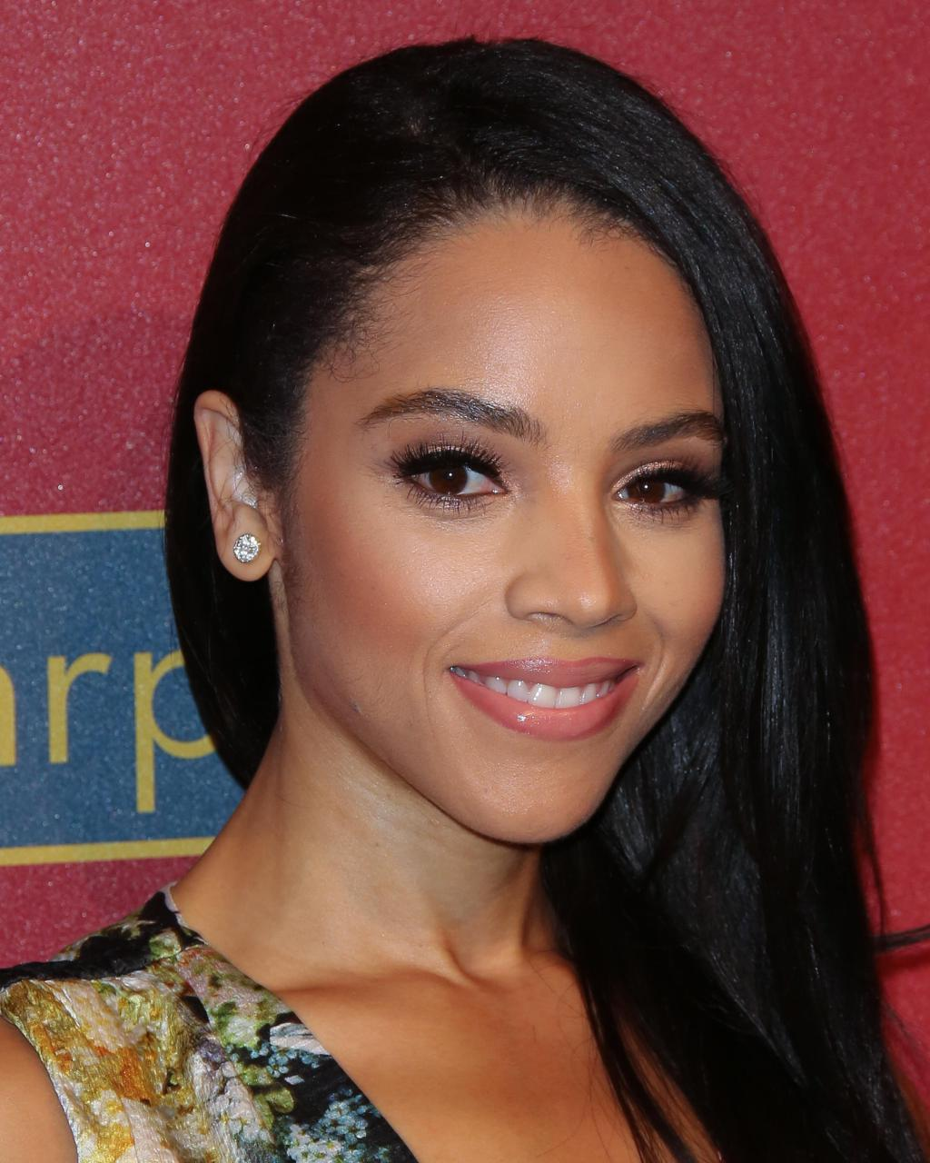RT @GlobalGrind: In Case You're Curious: Here's a closer look at Beyonce's hot stepsister Bianca Lawson http://t.co/17XaLWK5yK http://t.co/…