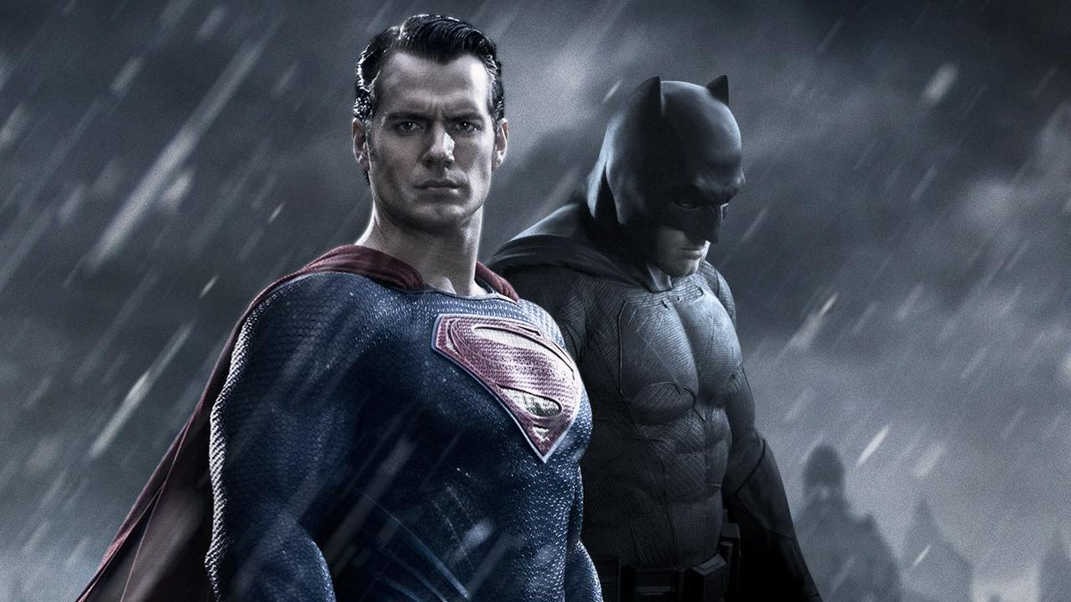 Wouldn't this be totally cool? RT @IGN: #BatmanvSuperman trailer rumored to hit this Thursday! http://t.co/B2ykJzoU1V http://t.co/MKCVSUGg4y