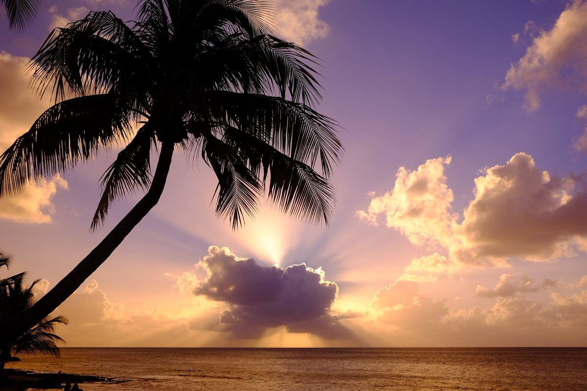 Cayman Islands sunset from December. Wish I was back there now. cc @MeredithFrost http://t.co/kpXLz0BBiT