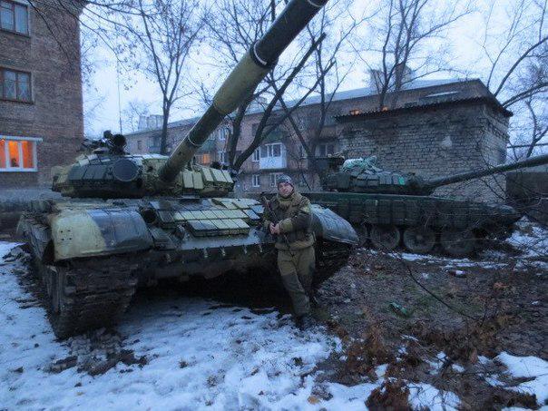 В ходе боя возле Песок украинские воины уничтожили ББМ и две единицы автотранспорта террористов, - ИС - Цензор.НЕТ 2553
