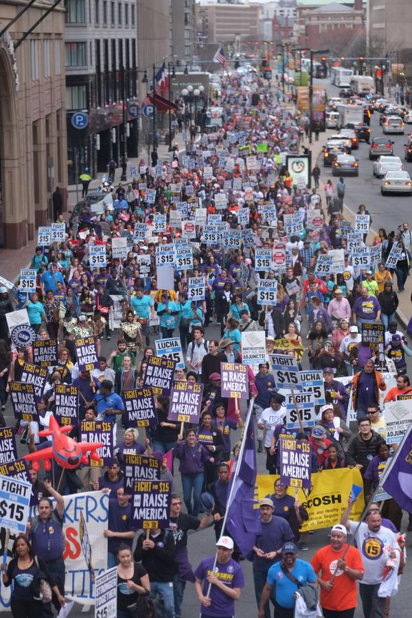 Activists, unions march through Boston for higher pay | Boston Globe http://t.co/rdmeiMWJsc #wageaction #p2 #bospoli http://t.co/BHwoiCwR8A