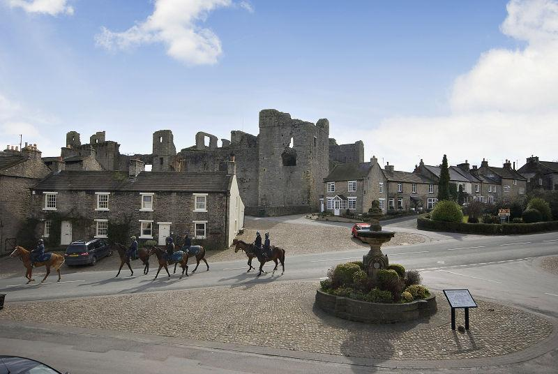 "Beautiful Middleham,North Yorkshire where Briardale is trained @JamesBethellRac My beloved ""Richard Whiteley country"" http://t.co/9wFQfqaoS4"
