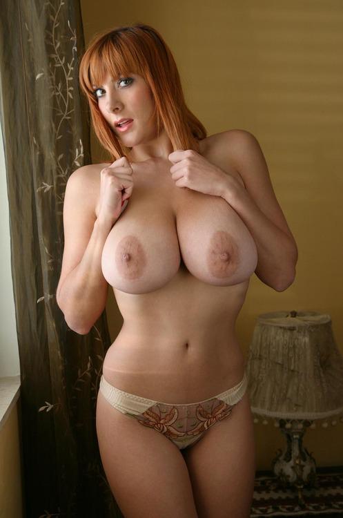 Hot feet of naked women