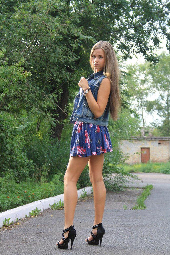 Милашки юбках фото в