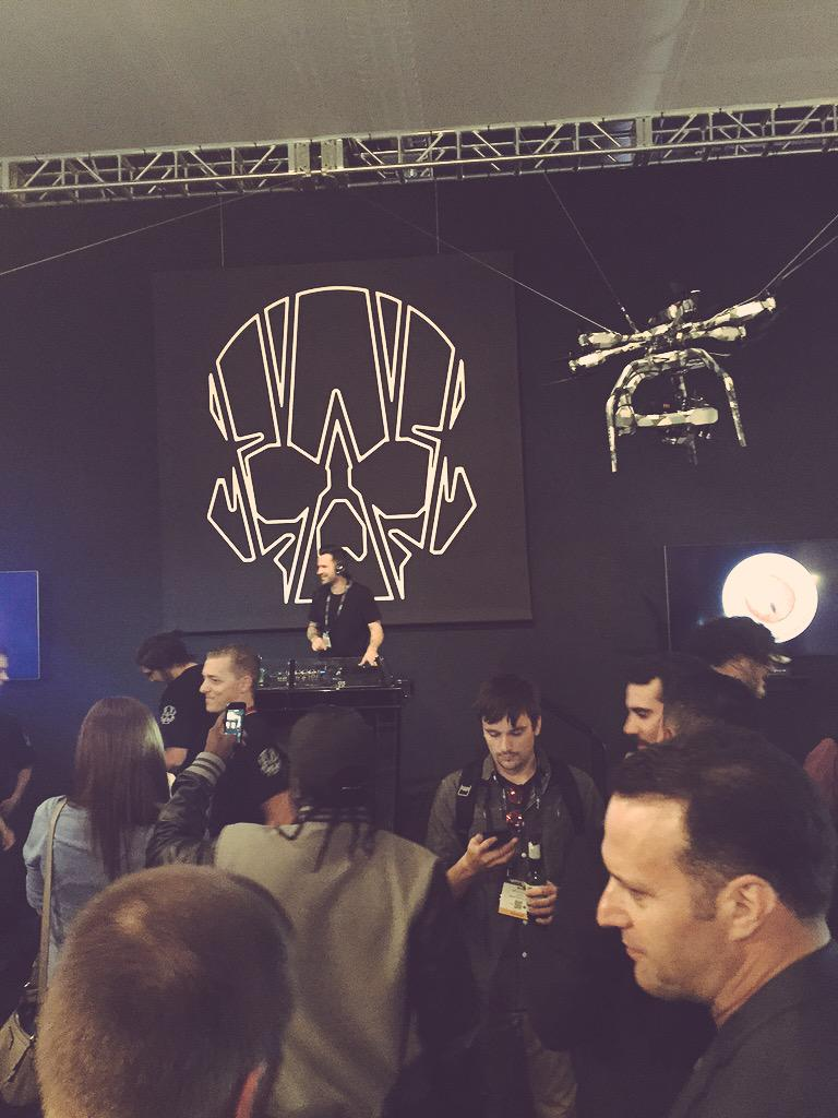 Surprise at the VIP #R3D Booth SL1517 after hours. It's @dirtysouth! #NABShow #NABShow2015 cc @Amick_Tim