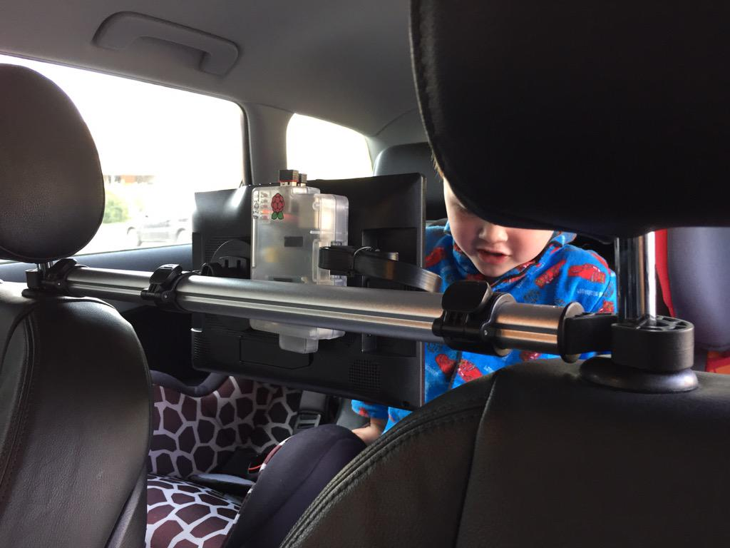 kristof lossie on twitter version 20 of the in car entertainment system using openelec rpi and koditv now both kids like it httptcoisktgznsaa