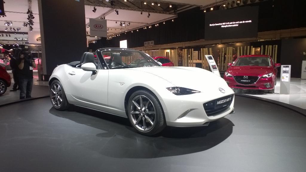 Ook Mazda heeft haar toppers mee #AutoRAI http://t.co/0McW5nUId3