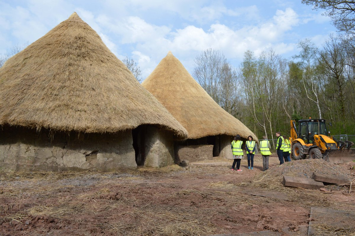 We'll be welcoming schools to this building in a few months!  #BrynEryr #MakingHistory @HLFCymru @LafargeTarmac http://t.co/PTenkKBKKJ