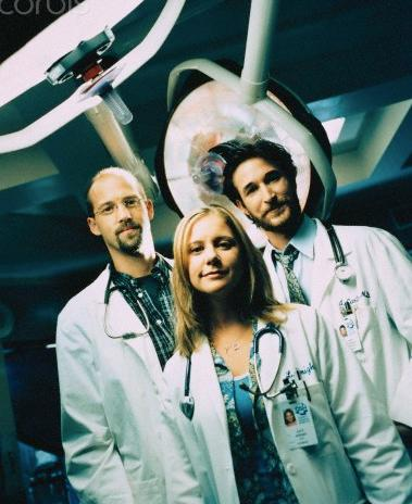 #TBT to when #LucyKnight got to follow around these handsome doctors #ER http://t.co/tpG5ydoiW4