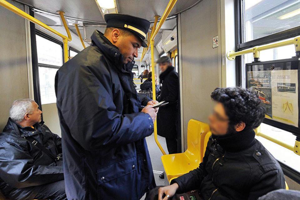 Biglietto di bus e metro a ogni corsa, multe salate per evasori