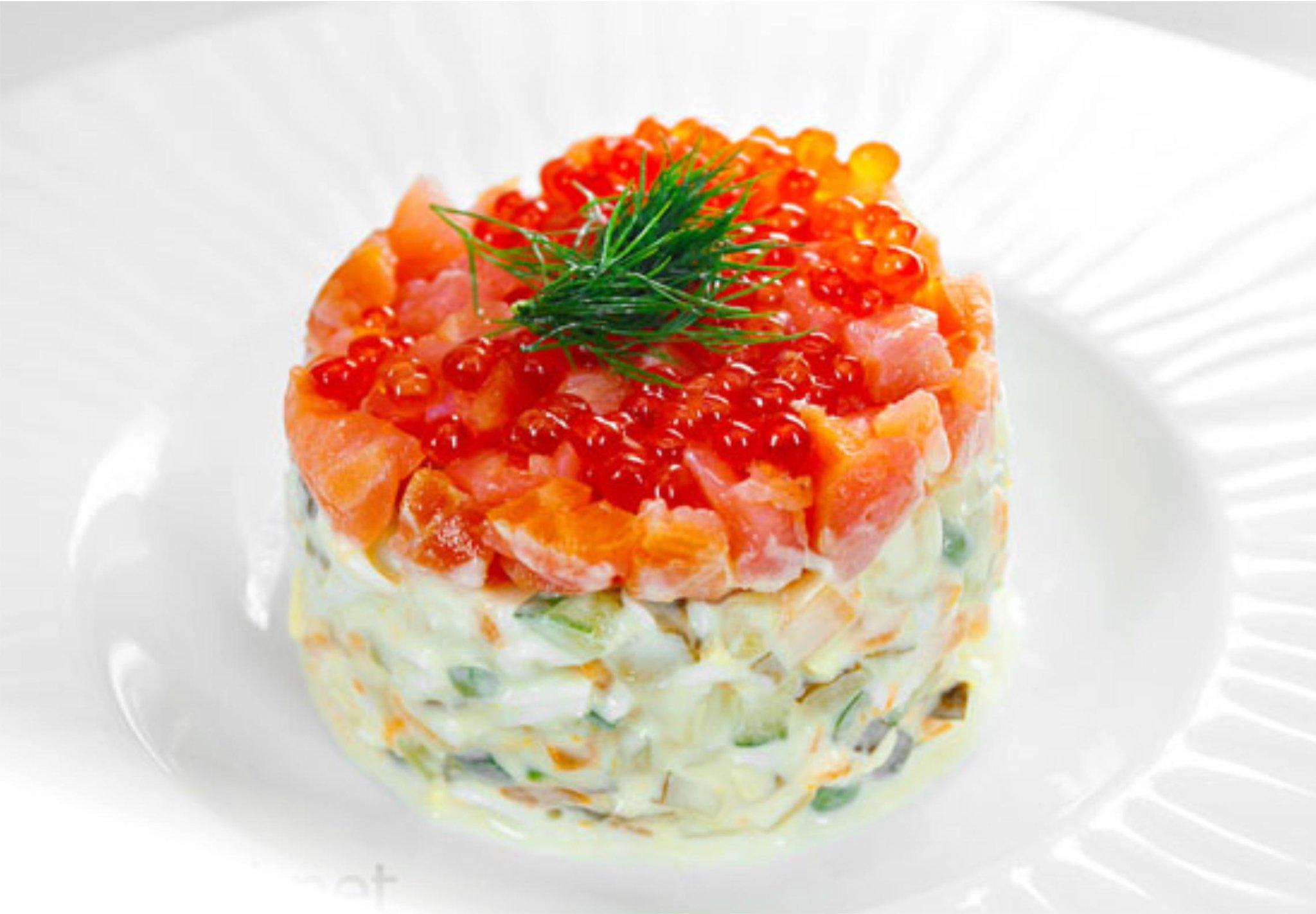 праздничный салат из красной рыбы с фото нас трактор скосил