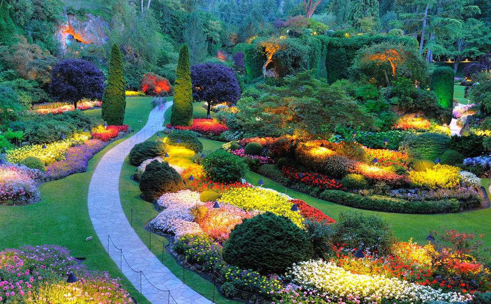8 famous gardens around the world at the peak of spring