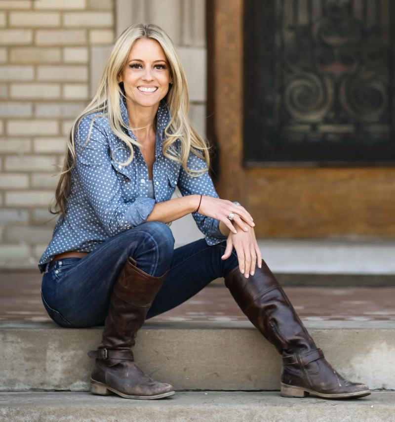 "Nicole Curtis On Twitter: ""@travelgrad2003 @hgtv No"