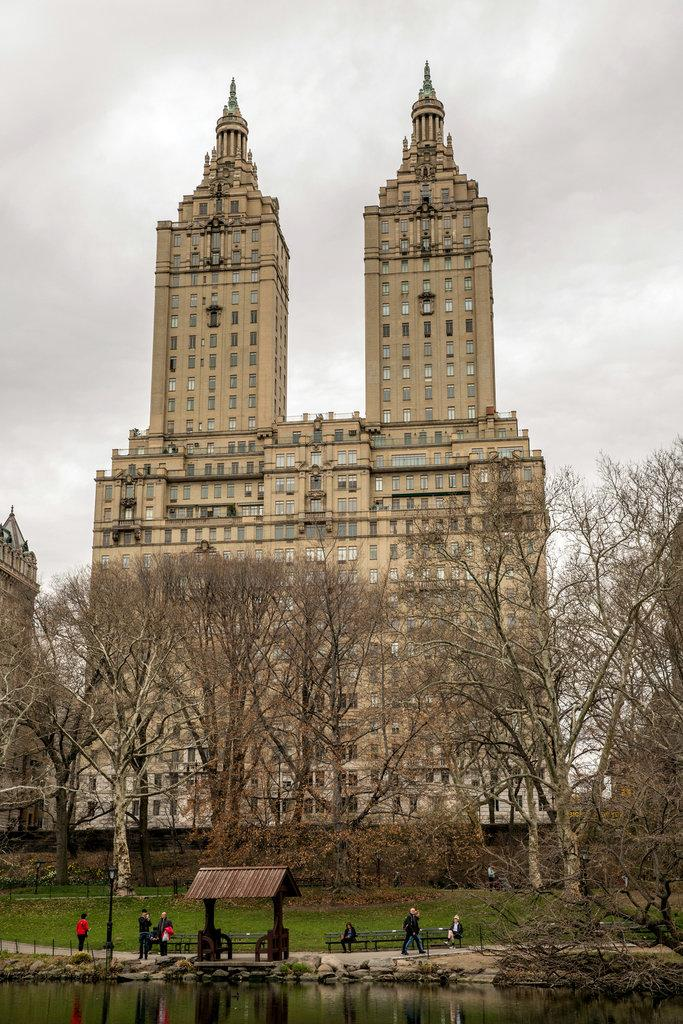 Got $75 million? The San Remo's triplex south tower penthouse is for sale. Seller: Demi Moore. http://t.co/JJINXcLpSn http://t.co/MAmDgCAjiA