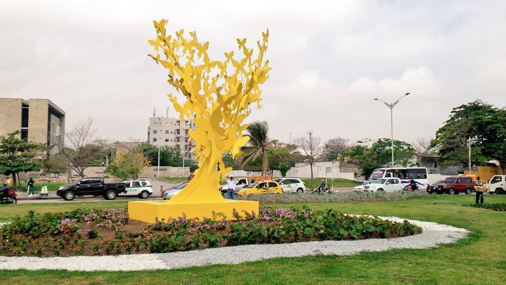137 mariposas amarillas ya revolotean en el Centro de Barranquilla
