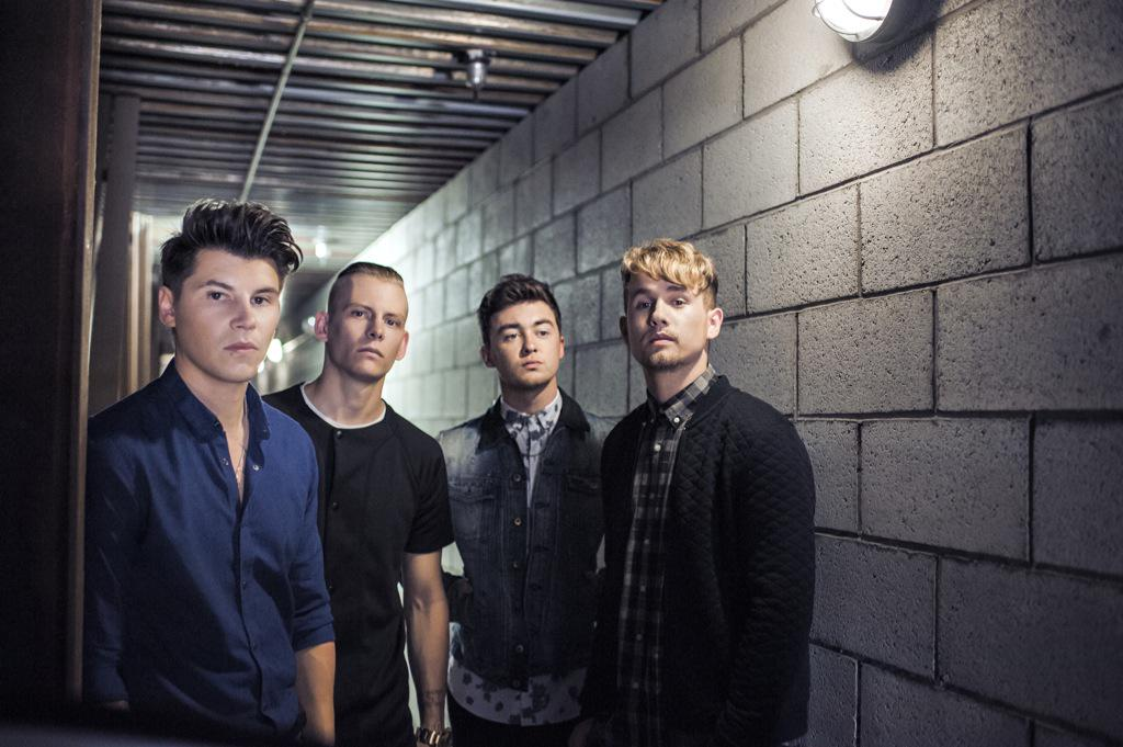 We're delighted to announce that this years HEADLINE act for the #TheGrandBall2015 is @RixtonOfficial http://t.co/6bmVonUcKZ
