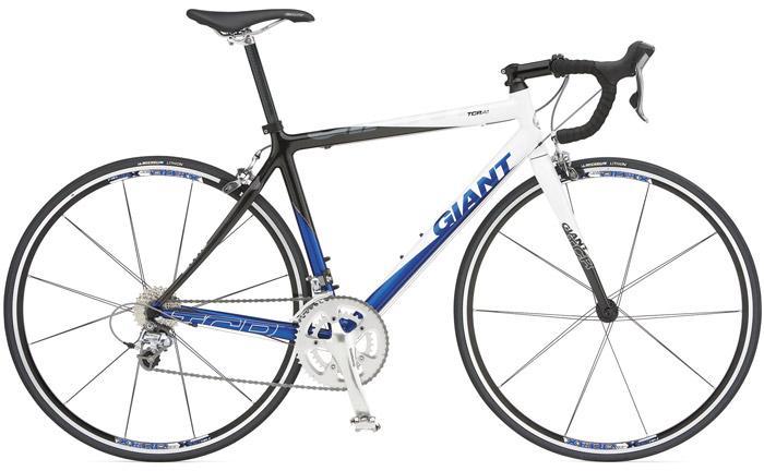 【自転車盗まれました】 5/1に神戸の伊川谷駅で自転車を盗まれました。車種はGIANTの「TCR A1」です。写真のものからサドルだけ少し大きいのに変えてます。もし見かけた方がいましたらご連絡お願いします。 http://t.co/4qSFwmiJzW