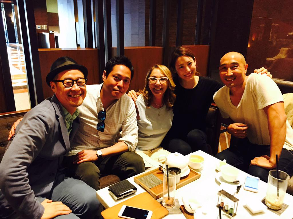 New best friends and happy in Seoul. :) @LyndaObst @ClaudiaSKim @bruinboy310 @martin6437 http://t.co/nGNcNsZXu8